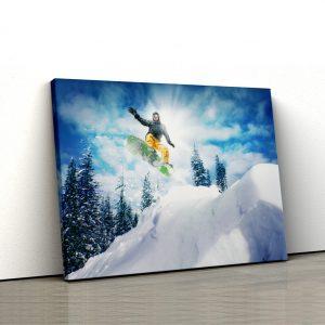 CVS694 Snowboarder on top 1